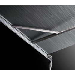 Integrated tension arms provide for optimal stability and fabric tension (5200: from an awning length of 4 m)